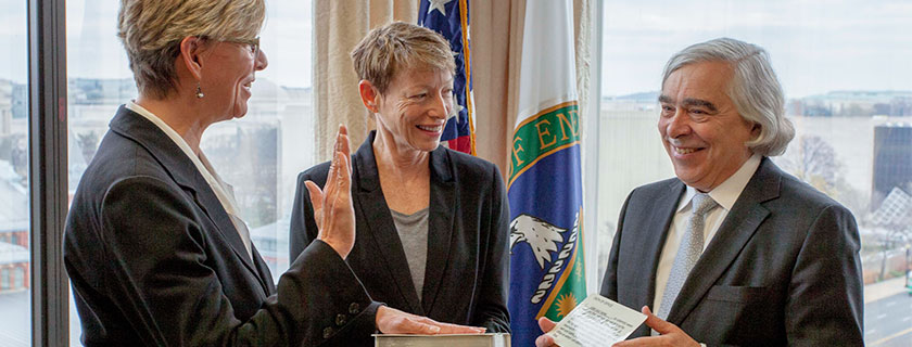 "New DOE Science Director Sets Sights on ""Pasteur's Quadrant""<br /> Cherry Murray takes on leadership role at the Office of Science"