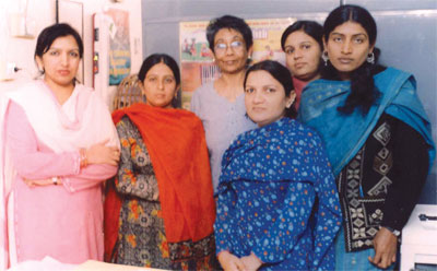 Usha Mallik with Pakistani women