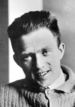 a research on the life of werner karl heisenberg Werner heisenberg tae'von & trevor heisenberg's life werner karl heisenberg was born on december 5, 1901 & died on february 1, 1976 heisenberg was.