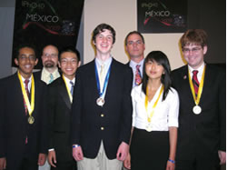 US Team Ties for Second in International Physics Olympiad