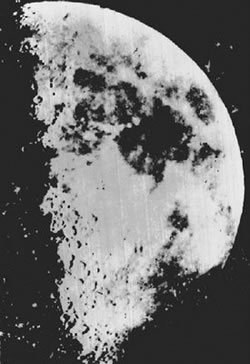 Daguerre's image of the moon