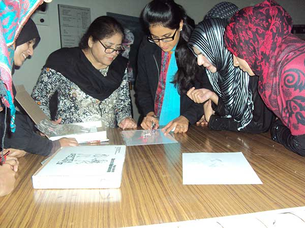 Pakistan students explore physics 1