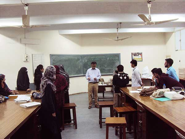 Pakistan students explore physics 2